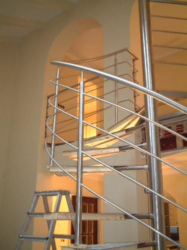 Trap + railing